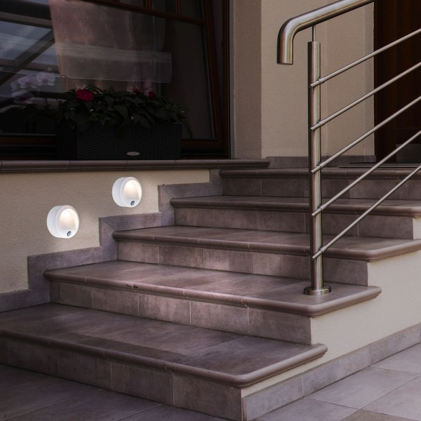 LED Außenwandleuchte mit Sensor, 3xAA, weiß IP44, Amarillo